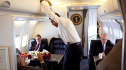 """Tổng thống Obama """"hú vía"""" vì Không lực Một bất ngờ hỏng động cơ"""