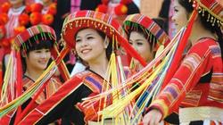 Diễn xướng dân gian văn hoá dân tộc