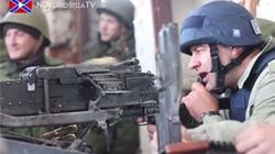 Du lịch chiến tranh: Bắn súng, chụp ảnh với quân ly khai Đông Ukraine