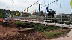 Ứng vốn xây dựng cầu treo dân sinh