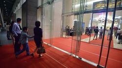 """Lotte Center Hà Nội """"chê"""" khách bình dân, chỉ mở cửa đón VIP"""
