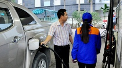 Hà Nội: Được tự bơm xăng, người mua sẽ thao tác thế nào?