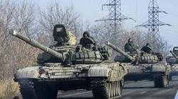 Một đoàn xe tăng bí ẩn xâm nhập Lugansk, Đông Ukraine