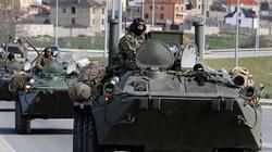 Báo Ukraine: Một đoàn xe tăng mới của Nga vượt biên giới vào Donetsk