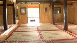 Nhà sàn - biểu trưng văn hóa Thái ở Mường Lò ngày một... lạ lẫm