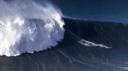 Lướt ván trên những con sóng lớn nhất nhất thế giới