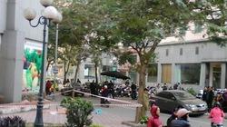 Hà Nội: Một phụ nữ rơi từ chung cư tử vong?