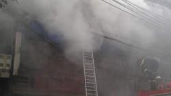 Cháy lớn ở phố cổ: Giải cứu cháu bé 3 tuổi