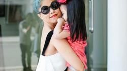 Ngắm gu mặc cực chất của NTK Hà Linh Thư và con gái