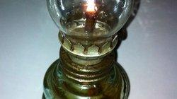 Cây đèn chong cóc ngày xưa!