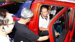 """Người giàu Việt rủ nhau mua xe sang """"né"""" thuế"""