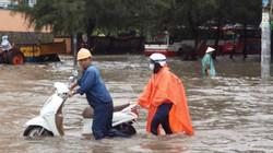 Tình người Sài Gòn mùa … nước ngập