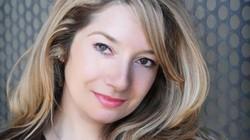 Những nữ nhà văn xinh đẹp chẳng kém minh tinh màn bạc