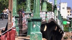 """TP.HCM: """"Khai tử"""" cây cầu gần trăm tuổi, người dân tiếc nuối"""