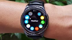 Trên tay smartwatch Gear S2 Classic chống nước