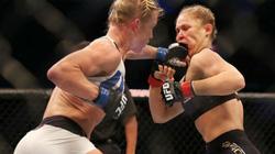 """Clip: """"Nữ hoàng UFC"""" Ronda Rousey thua sốc tại hạng gà"""