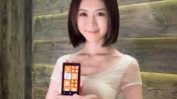 Mỹ nữ xinh như mộng bên smartphone Lumia