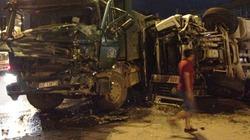 TP.HCM: Xe bồn nổ bánh trên xa lộ, hai tài xế nhập viện