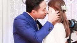 Nụ cười và nước mắt trong đám cưới siêu mẫu, diễn viên Quang Hòa