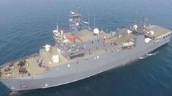 Trung Quốc đưa tàu hậu cần vào Biển Đông: Việt Nam theo dõi sát diễn biến