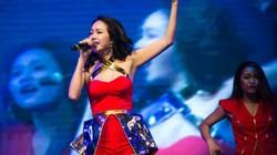 Minh Hằng mặc sexy, xua tan cái rét đầu đông Hà Nội