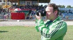 Người nước ngoài thích thú với hội ngựa đua trên đất Kinh Bắc