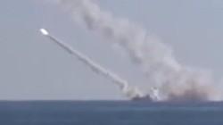 [Video] Tàu ngầm Kilo Nga bất ngờ bắn tên lửa diệt IS