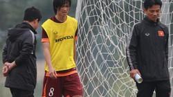 Yokohama hoãn vô thời hạn thời gian ký hợp đồng với Tuấn Anh