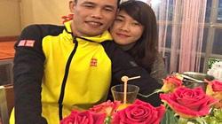 Facebook sao 30/12: Hiệp Gà khoe clip hôn bạn gái mới