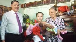Đà Nẵng: Thí điểm trao giấy khai sinh tận nhà cho trẻ