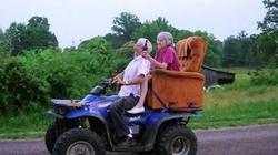 Học người già cách thể hiện tình yêu