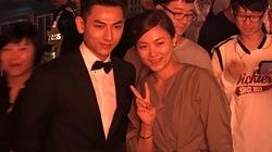 Isaac được fan Hàn vây quanh ở LHP quốc tế Busan