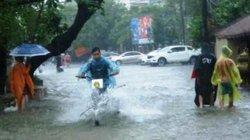 Không khí lạnh tràn về, Trung Bộ mưa to đến hết tuần