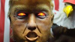 Máy hình Trump ăn nói linh tinh gây náo loạn New York