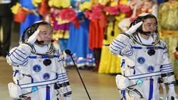 Hai phi hành gia người Trung Quốc được lên trạm Thiên Cung 2