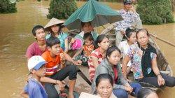 Clip báo Nông thôn Ngày nay cứu trợ đồng bào lũ lụt