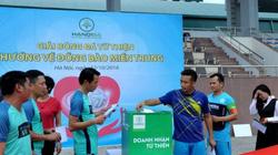 Hội Doanh nghiệp trẻ Hà Nội ủng hộ đồng bào miền Trung 300 triệu đồng