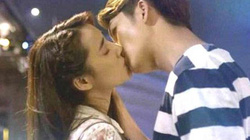 """Tài tử Kang Tae Oh """"khó chịu"""" khi hôn Nhã Phương"""