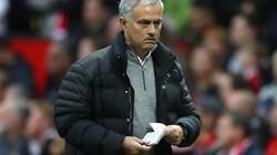 Bị truất quyền chỉ đạo, Mourinho tức giận bỏ họp báo