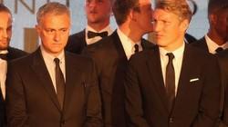 Vì sao Mourinho làm lành với Schweinsteiger?
