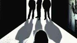 Ấn Độ: Đang ngủ với chồng, bị 4 người gọi cửa cưỡng hiếp