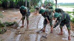 """Mưa lũ ở miền Trung: Hàng nghìn hộ vẫn """"ngâm"""" nước lụt"""