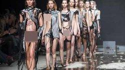 Show diễn lạ, áo quần tự bốc hơi khỏi cơ thể người mẫu