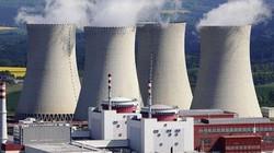 """""""Nợ công tăng, dừng dự án điện hạt nhân là hợp lý"""""""