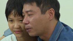 Clip: Diễn viên Công Lý ôm con gái, khóc nức và xin lỗi con