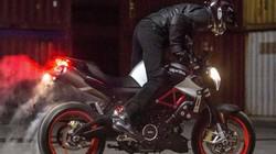 """2017 Aprilia Shiver xuất hiện """"ghênh chiến"""" Ducati Monster"""