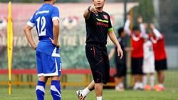 HLV Hữu Thắng nói gì khi buộc phải loại 5 tuyển thủ Việt Nam?