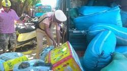 Huế: Bắt giữ hàng chục bao tải, thùng xốp nội tạng thối trên xe tải