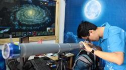 Giới trẻ săn siêu trăng bằng kính thiên văn… ống nước