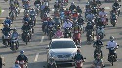 Ảnh: Xe máy chiếm hết làn đường ôtô ở đại lộ đẹp nhất TP.HCM